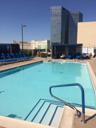 Rooftop pool, Polo Towers