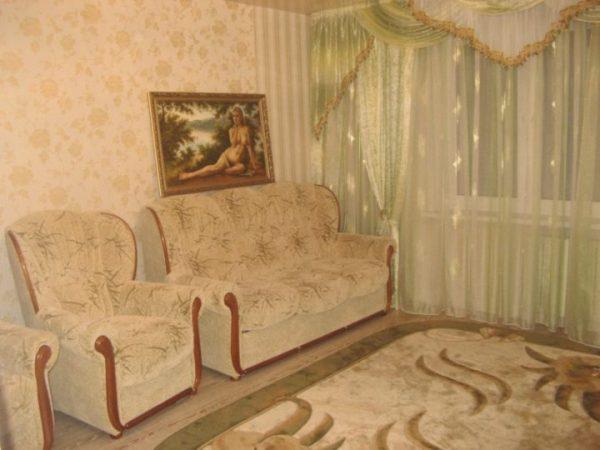 Какие выбрать обои для зала в квартире