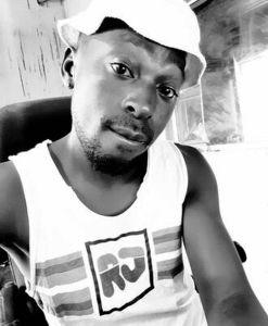 Mxadzi - KaDecembeka Ft. Hangalasa