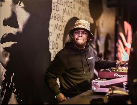 Dlala Thukzin Phuze (Remix) Ft. Zaba, Sir Trill, Mpura and Rascoe Kaos MP3 Download SAfakaza