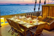 raja-laut-_0002_rl_dining2-copy