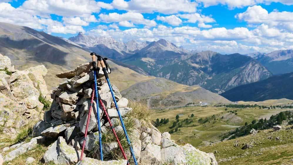 Adjust pole according to trail