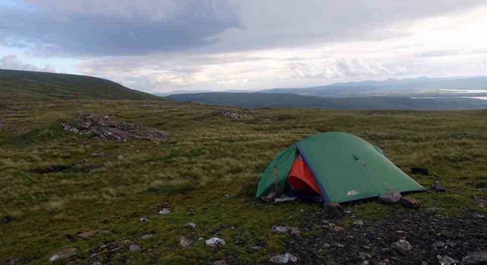 how to set up a tent in the wind