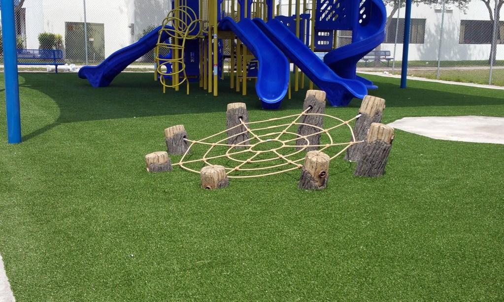 Safe4play-turf-fake-grass-installation_9