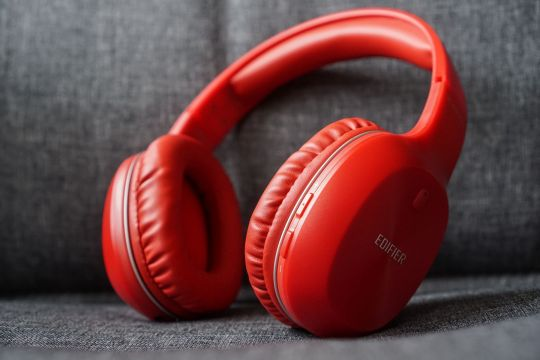 <b>45.90 €</b>Edifier W800BT Bluetooth Hi-Fi Stereo Headphones