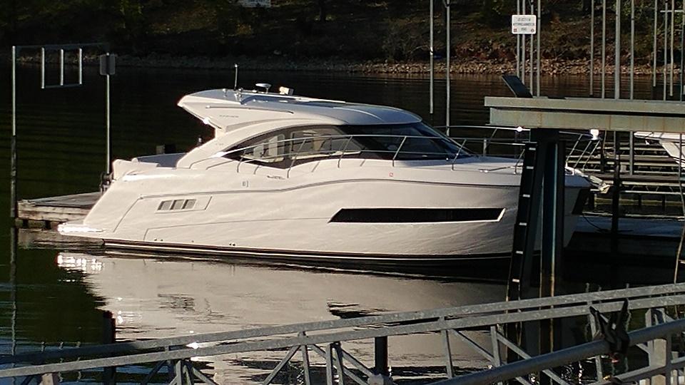 Carver C37 boat transport