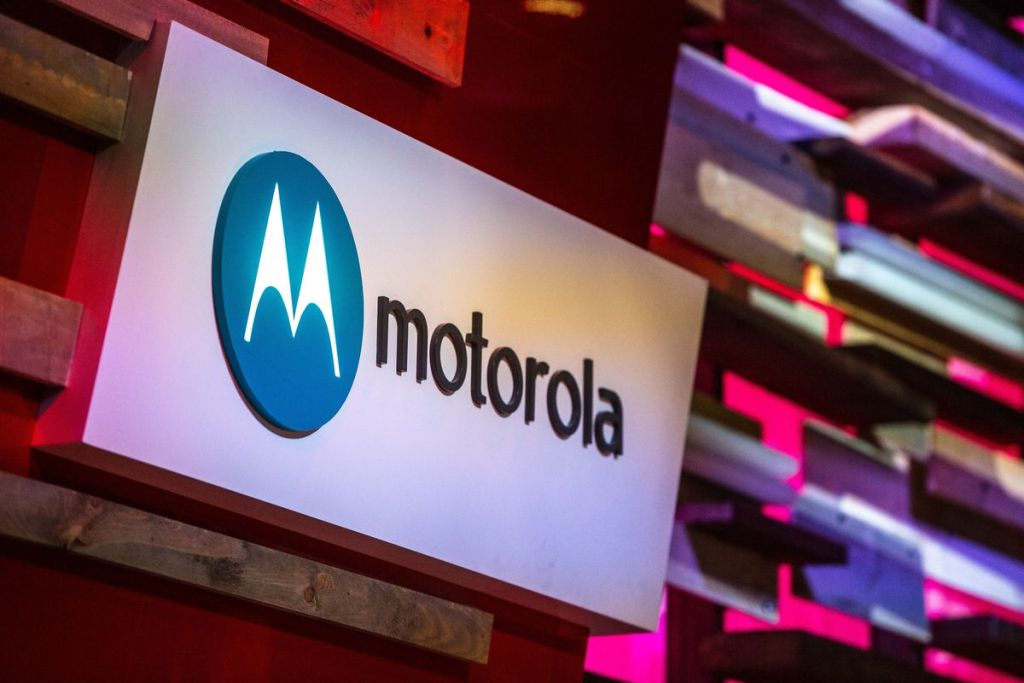 How to Enable Safe Mode on Motorola One Vision XT1970-1