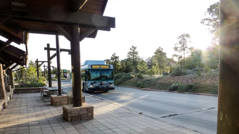 Startpunkt für das Trekking: Hikers Express Bus zum South Kaibab Trailhead