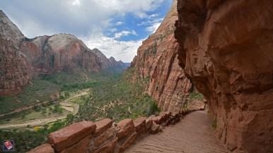 Atemberaubende Aussicht vom West Rim Trail vor dem Refrigerator Canyon (Foto: Bernd Schäfer)