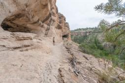 Trail bei Höhle 1