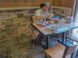 Burger in der Maswik Cafeteria