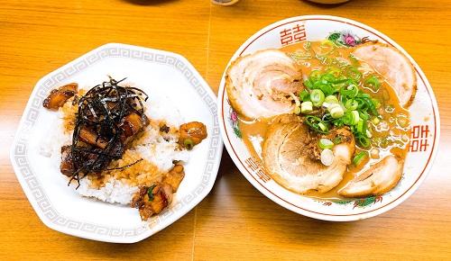 ラーメン東大 応神店のチャーシュー麺とチャーシュー丼
