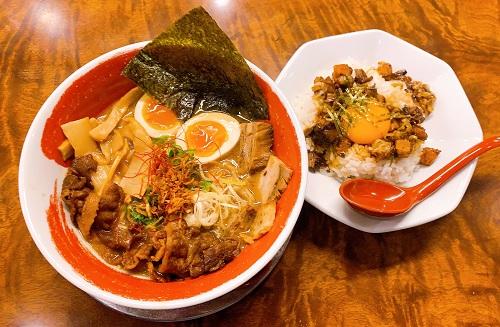 麺王の麺王スペシャルとチャーシュー丼セット