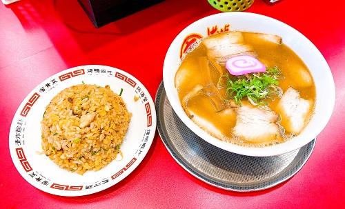 丸高中華そば 神戸二宮店のチャーシュー麵と半チャーハン