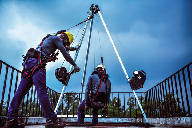 HAZARDS OF CONFINED SPACE ENTRY