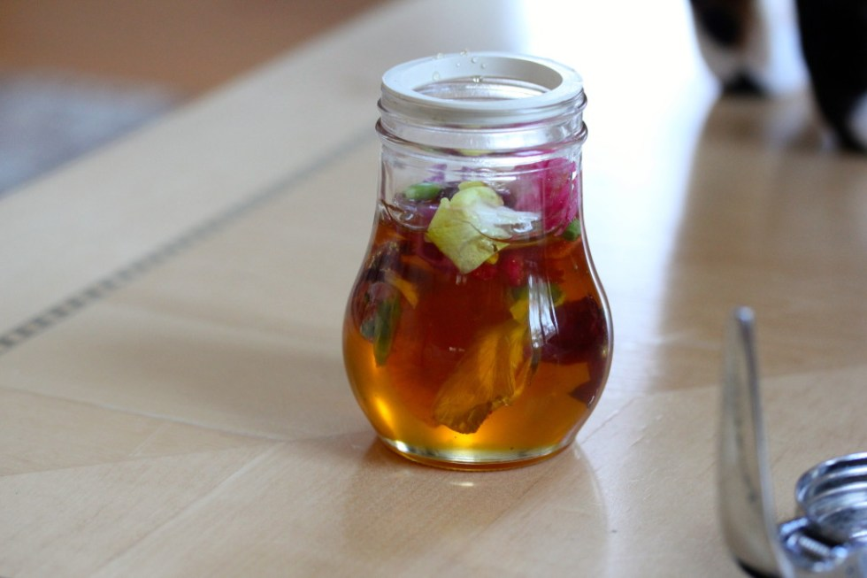 edible flowers honey 2