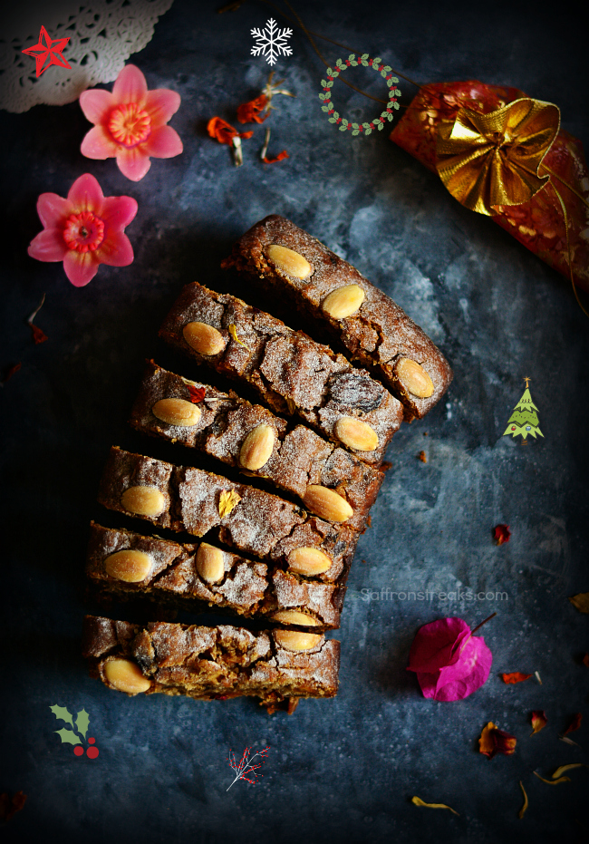 christmas fruit cakes with molasses / treacle
