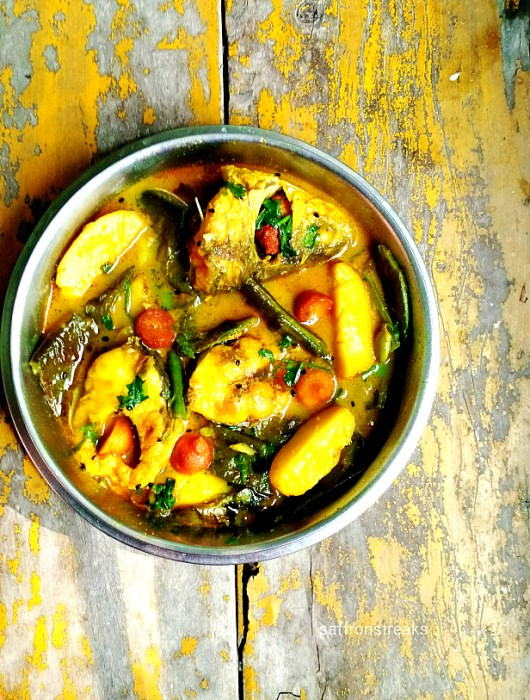 bengali fish stew rui macher jhol