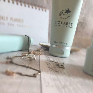Liz Earle Cleanse & Polish Hot Cloth Cleanser 200ml