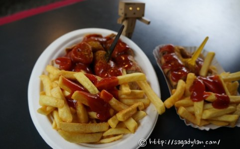 berlin1-currywurst-kadewe-16