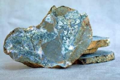 Raw Dallasite mineral