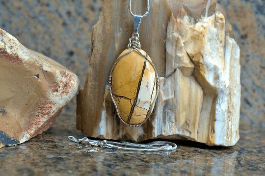 Yellow jasper pendant