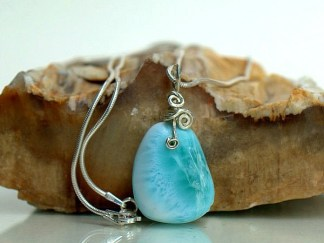 sea blue crystal with silver setting