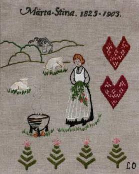 """Märta Stina Märta-Stina Abrahamsson var släkt med Britta-Kajsa Karlsdotter, som skapade den så kallade Anundsjö-sömmen. Märta-Stina föddes år 1825 i byn Kubbe i Ångermanland. Hon dog 1903, 78 år gammal. Hon var ogift och som """" gammelstinta """" bodde hon kvar på hemgården. Hon var fattig men försörjde sig själv genom att sticka och sälja de arbetskläder, vantar, fälltäcken med mera, som hon tillverkade.Hon var långt före sin tid med sin stickning med både kvalitet och konstnärlighet."""