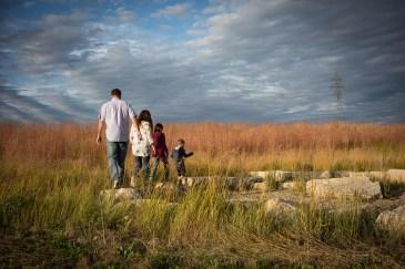 sc-nature-family-walking-dsc05962