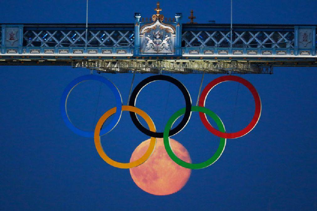 full-moon-olympic-rings-london-bridge-2012