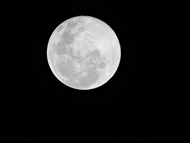 パワーストーンの浄化方法:音やお香、さざれ石に月光浴まで詳しく紹介