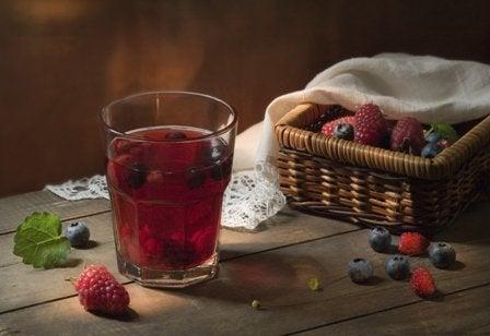 orman-meyveleri-suyu