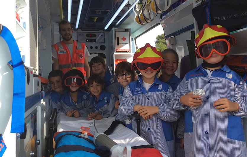 Visita-Cruz-Roja-Colegio-Sagrada-Familia-de-Elda
