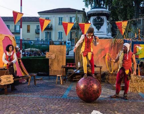 Arti e mercanti asti giullari e giocolieri piazza del cavallo