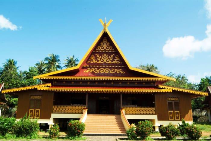 Rumah Adat Riau Rumah Selaso Jatuh Kembar