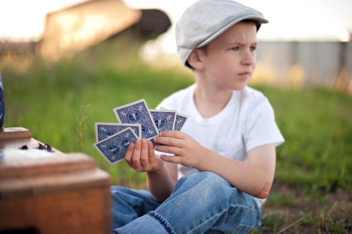 Permainan Masa Lalu Bermain Tepuk Kartu