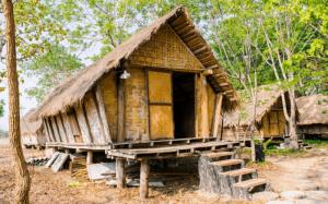 34 Nama Rumah Adat Tradisional di Indonesia Beserta Gambarnya !