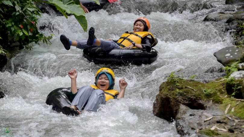 Tubing Seru di Lekso Adventure