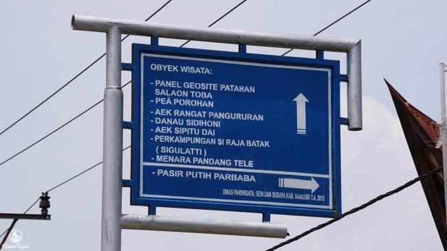 Petunjuk Jalan Danau Sidihoni