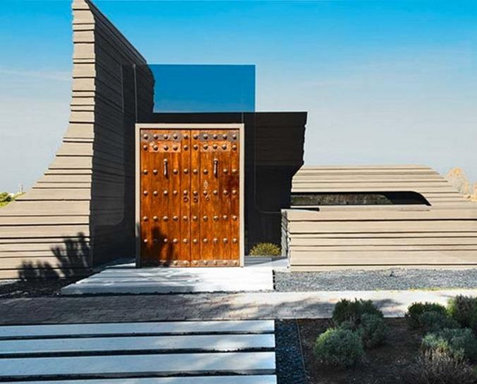 sculpture-house-entrance