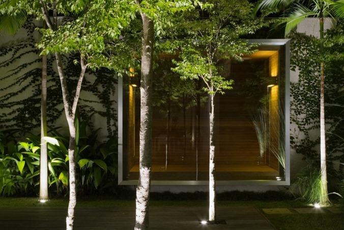Mirindaba-House-in-Brazil-by-Marcio-Kogan-19