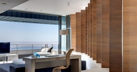 Contemporary-living-room-wood-panels-665x439