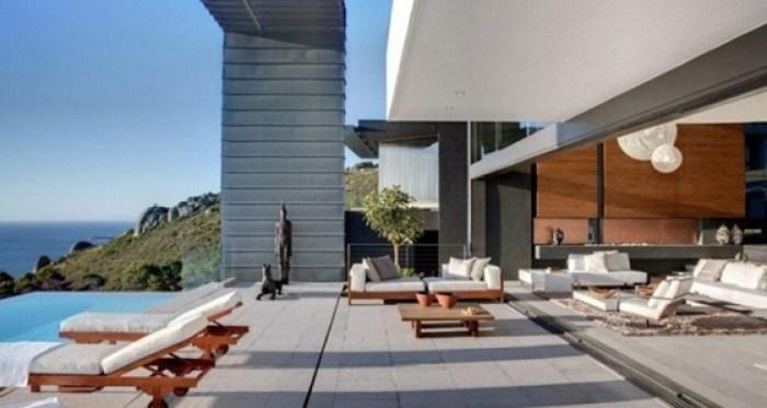Luxury-sun-deck-sea-view-665x442