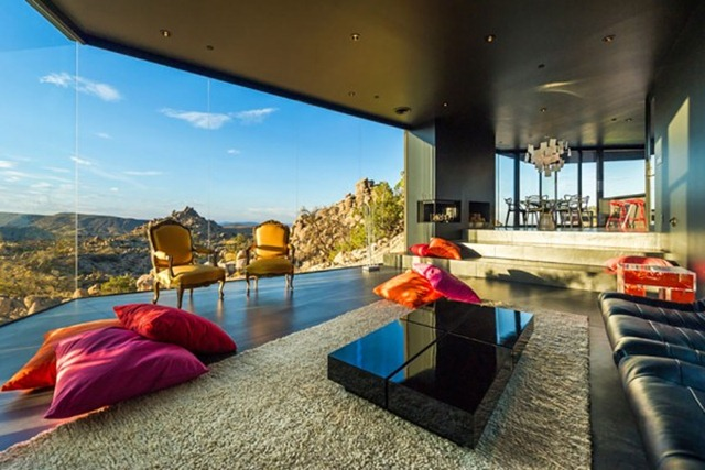 Black-Desert-House-by-Marc-Atlan-photography-by-Marc-Angeles-15-600x400