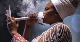 Buhlebendalo ft Madala Kunene - Khuphuka