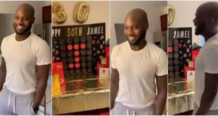 Wow!! Man receives 30 gifts for his 30th birthday from girlfriend