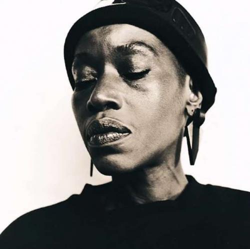 Busi Mhlongo - Izizwe (Remix)