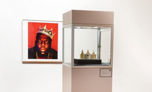 Notorious B.I.G.'s Plastic Crown Sells for 0,000 at Auction
