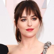 Dakota Johnson Oscars 2015_1