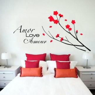 quarto-branco-flores-frases-estampada-parede